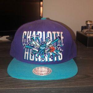 NEW Charlotte Hornets Mitchell & Ness SnapBack